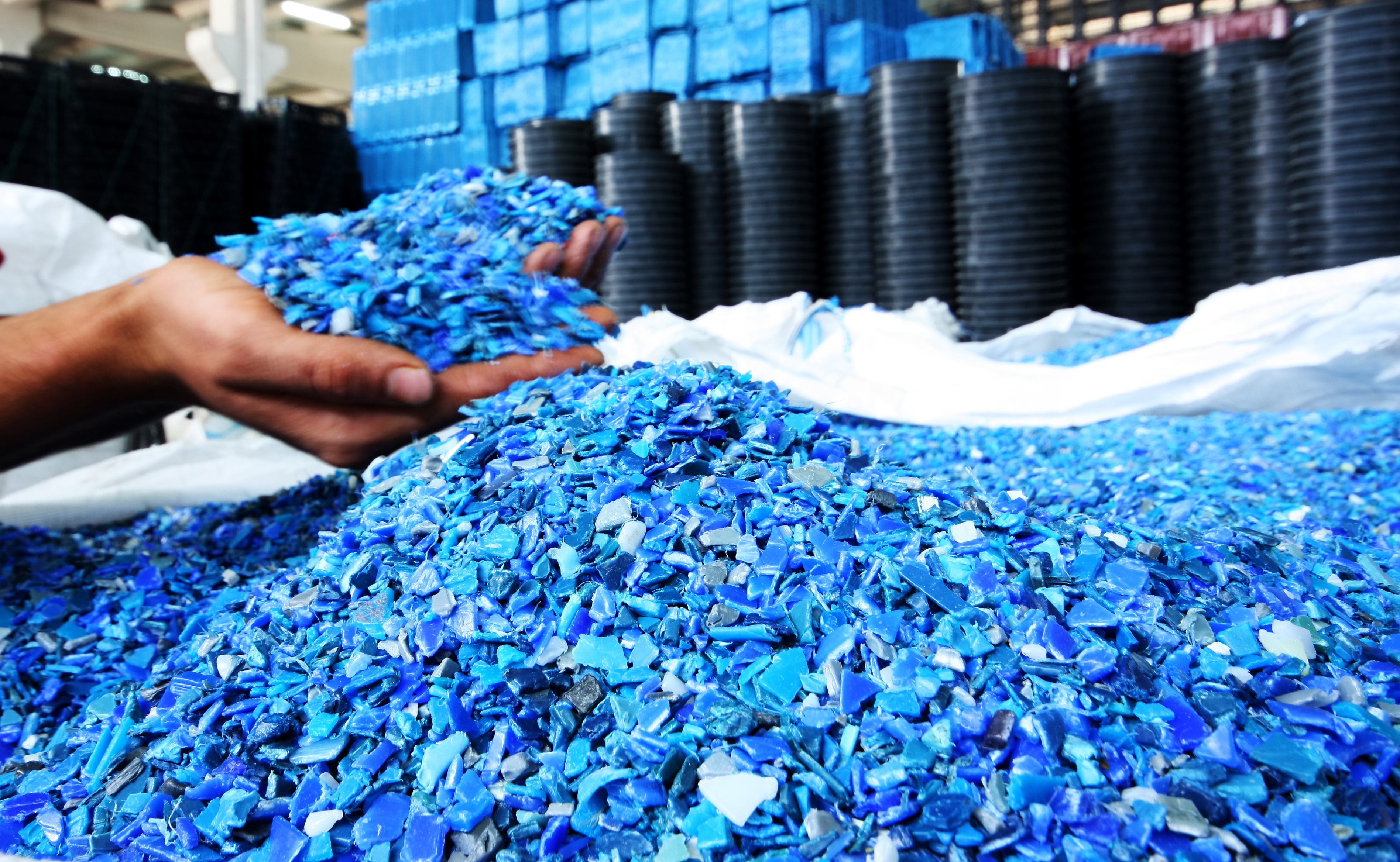 Plastics-Resin-Pellets-in-hands